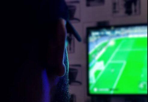 Futebol: Saiba como assistir aos jogos desta sexta-feira (14
