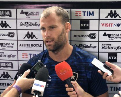 Carli Botafogo