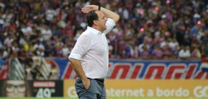 """São Paulo elimina Flamengo e torcedores não perdoam Rogério Ceni: """"Judas, freguês"""""""