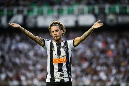 Guga em ação pelo Atlético-MG