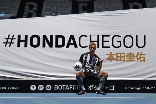 Honda em ação pelo Botafogo