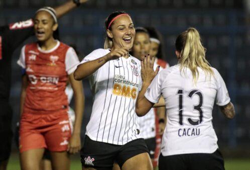 Corinthians domina o Audax, vence por 3 a 0 e amplia sequência invicta no Brasileirão Feminino
