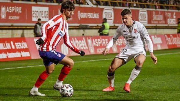 Augusto Galván em confronto contra o Atlético de Madrid