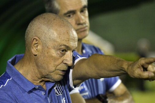 Jesualdo Ferreira já é comparado a Jair Ventura pela torcida santista