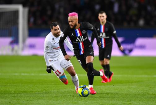 Neymar é um dos melhores do mundo.