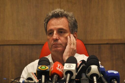 Presidente do Flamengo, Rodolfo Landim, em entrevista coletiva após o incêndio no Ninho do Urubu, em fevereiro de 2019
