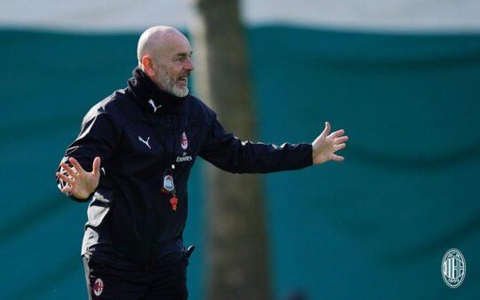 Stefano Pioli critica arbitragem após empate Milan e Juventus