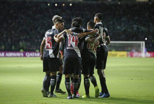 Vasco encara o Macaé neste domingo (28).