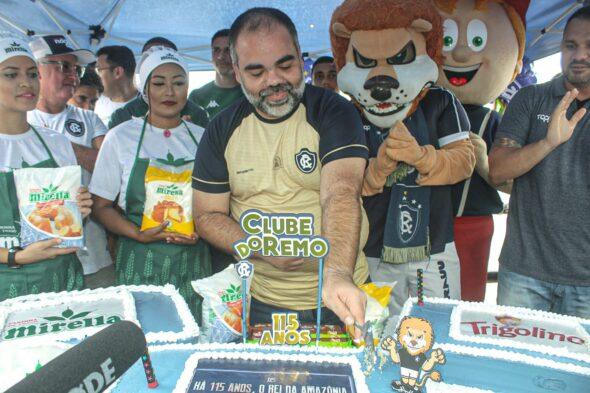 O presidente remista, Fábio Bentes, marcou presença na festa realizada no Ver-o-Peso - foto: Samara Miranda/ascom Remo