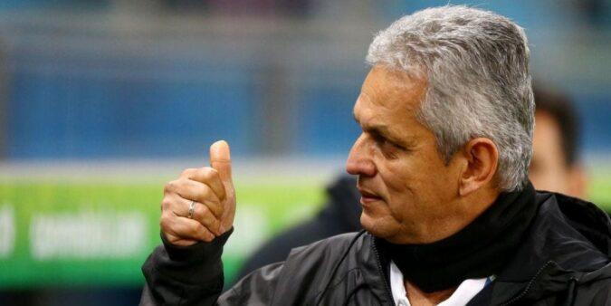 Reinaldo Rueda em ação pela seleção chilena
