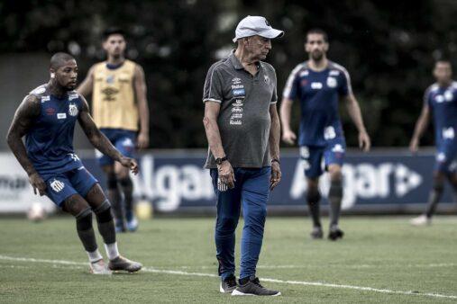 Jesualdo evitar opinar sobre redução salarial no Santos