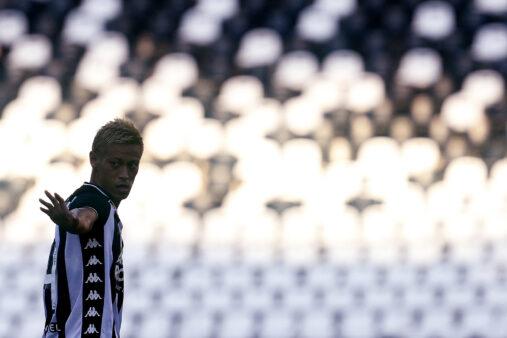 Keisuke Honda em ação pelo Botafogo