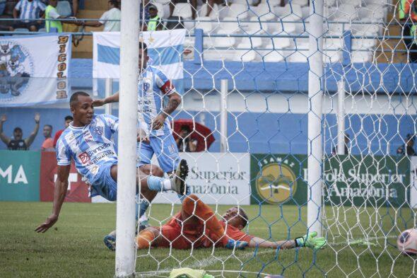Imagem mostra o momento do gol marcado pelo atacante Deivid Souza - foto: Jorge Luiz/ascom Paysandu