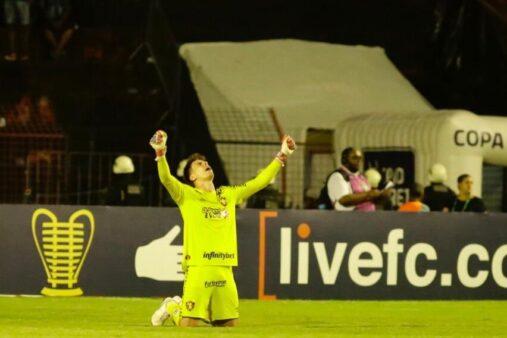 Terceiro goleiro do Sport quando chegou em 2018, Luan Polli comemora sequência titular