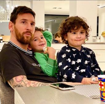 Messi enviou mensagem aos profissionais da saúde.