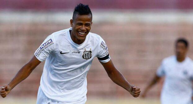 8 jogadores que jogaram recentemente no Santos e no Flamengo