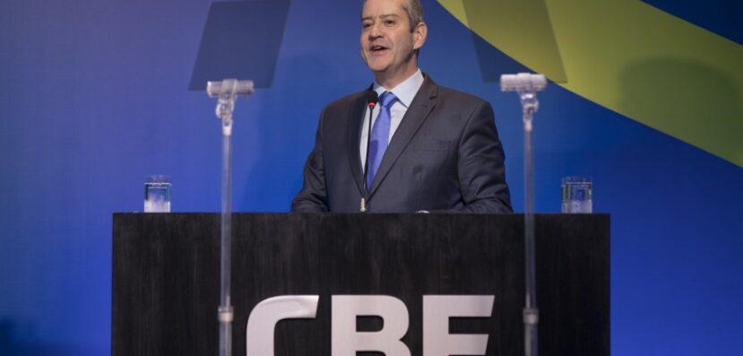 CBF isenta clubes de pagarem taxas de registro e transferência de jogadores