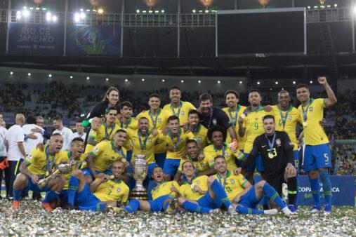 Seleção brasileira celebra título da Copa América, torneio que virou caso de investigação pela justiça americana
