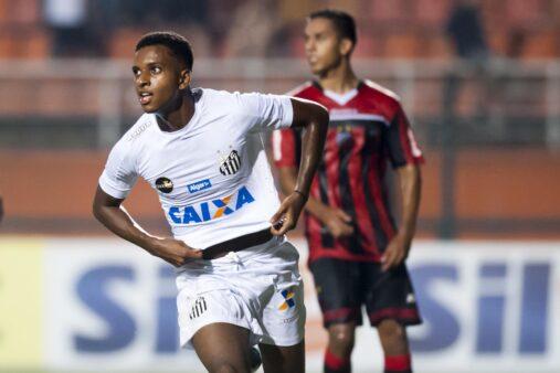 Rodrygo em ação pelo Santos