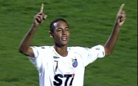 Neymar primeir gol como profissional