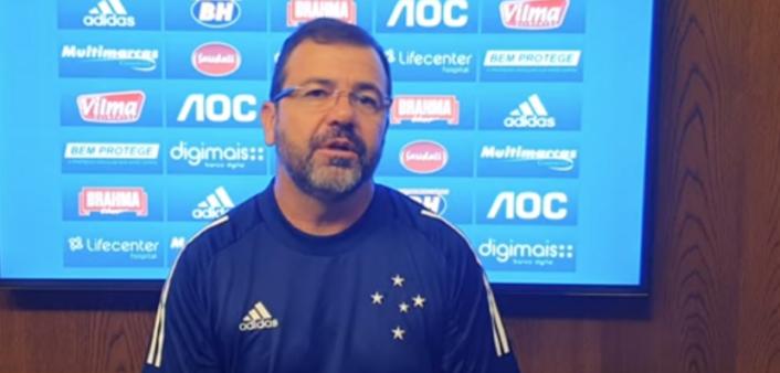 Treinador do Cruzeiro elogia lateral do Santos