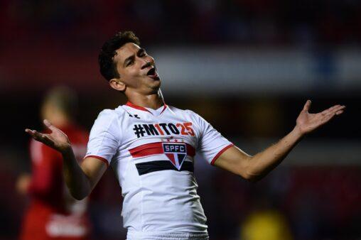 Paulo Henrique Ganso em ação pelo São Paulo
