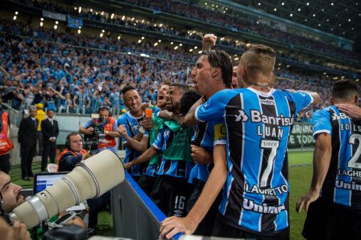 jogadores-do-gremio-comemoram-gol-de-cicero-jogo-de-ida-final-libertadores