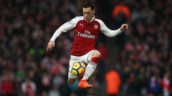 Arteta acredita que Özil ainda não esta pronto para dar o seu melhor