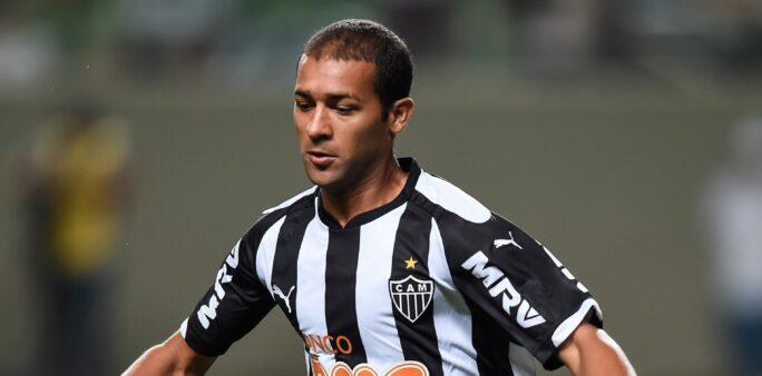 jogadores brasileiros famosos aposentados
