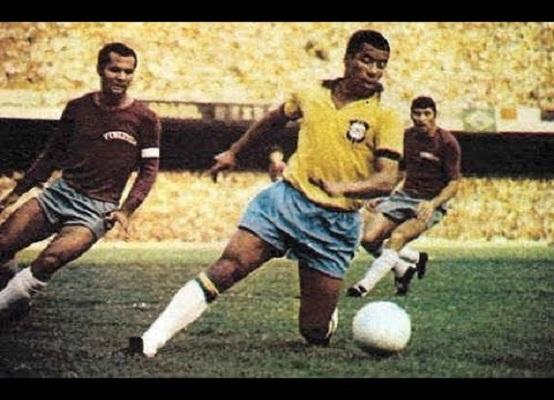 """Jairzinho, o """"Furacão da Copa"""" (Reprodução/ YouTube)"""