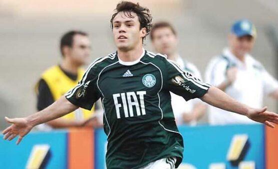 Kléber 'Gladiador' comemora gol quando defendia o Palmeiras