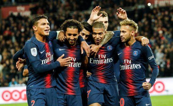 Neymar, Marquinhos e Thiago Silva fazem parte do elenco do PSG.