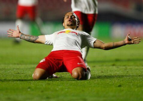 Ex-jogador do Palmeiras, Artur comemoran gol contra o São Paulo