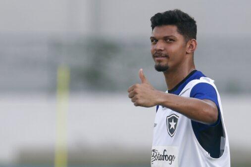 Igor Cássio em ação pelo Botafogo
