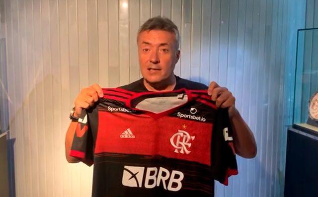 Fifa exalta Domènec Torrent, novo técnico do Flamengo; veja a publicação