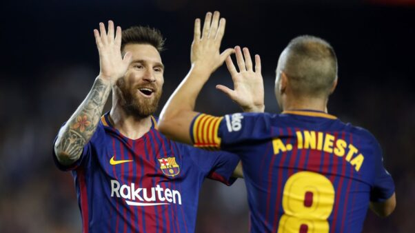 Iniesta exaltou Messi.