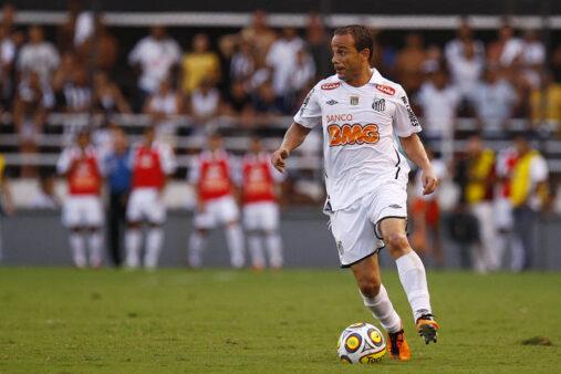 Léo, ex-jogador de futebol já rescindiu contrato por problemas familiares
