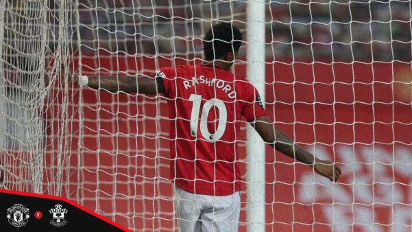 Manchester United cede empate aos 95 minutos