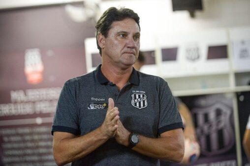 João Brigatti, treinador da Ponte Preta