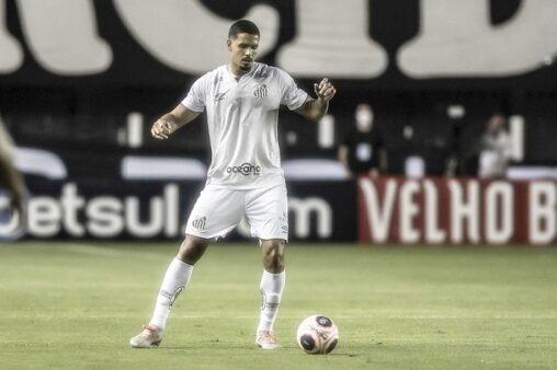 Lucas Veríssimo, zagueiro do Santos (Foto: Ivan Storti/ Reprodução/ Flickr oficial do Santos FC)