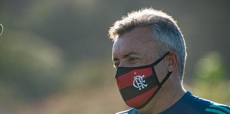 Torcedores do Flamengo invadem redes sociais e pedem retorno de Dome: Melhor que o Ceni