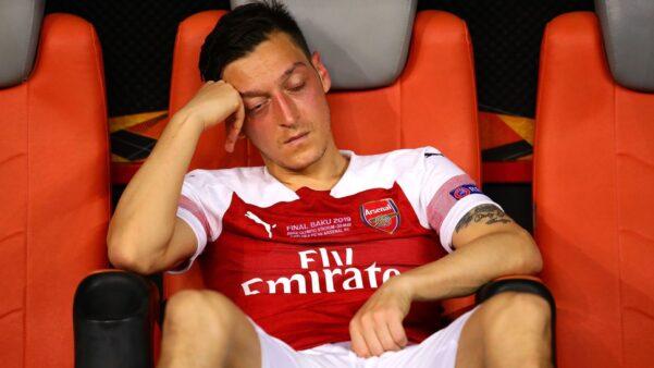 Mesut Özil em ação pelo Arsenal