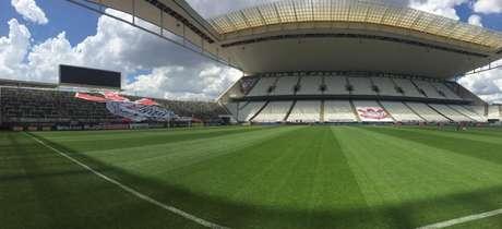 Quantos torcedores cada estádio do Brasileirão poderá receber com a liberação de 30% da CBF?