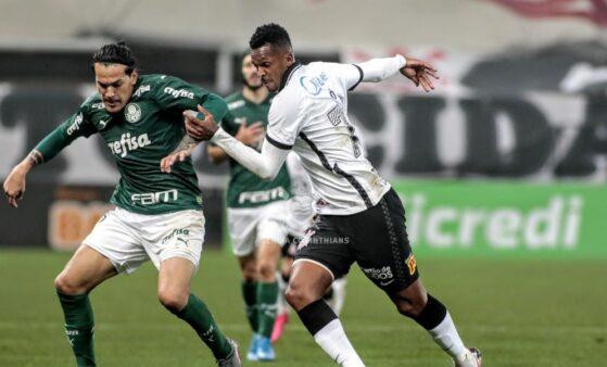 Jô e Gómez em Corinthians x Palmeiras