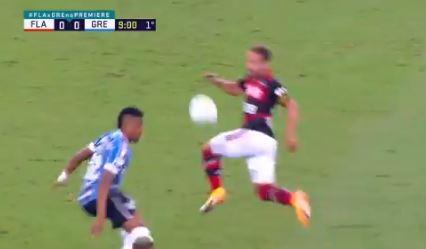 Everton Ribeiro em Flamengo x Grêmio