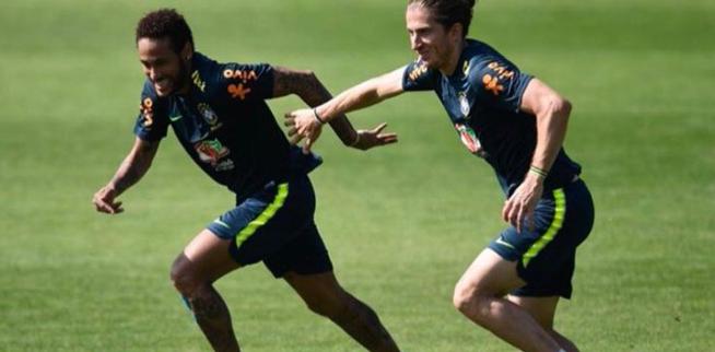 Filipe Luís - Neymar