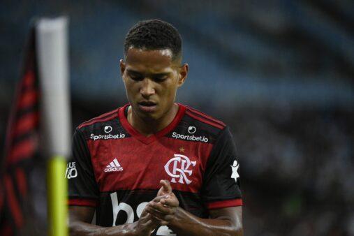 João Lucas, do Flamengo, vai para o Cuiabá