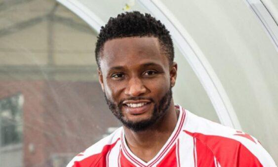 Especulado no Botafogo, Obi Mikel é o novo reforço do Stoke City