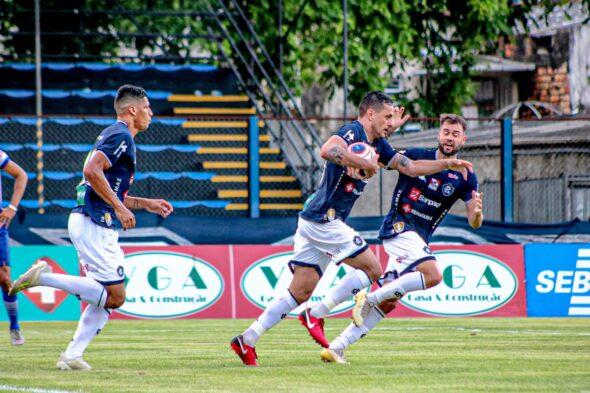 Eduardo Ramos comemora gol marcado na partida Remo x Águia - imagem: Samara Miranda/ascom Remo