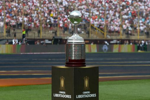 Libertadores segue agitada.